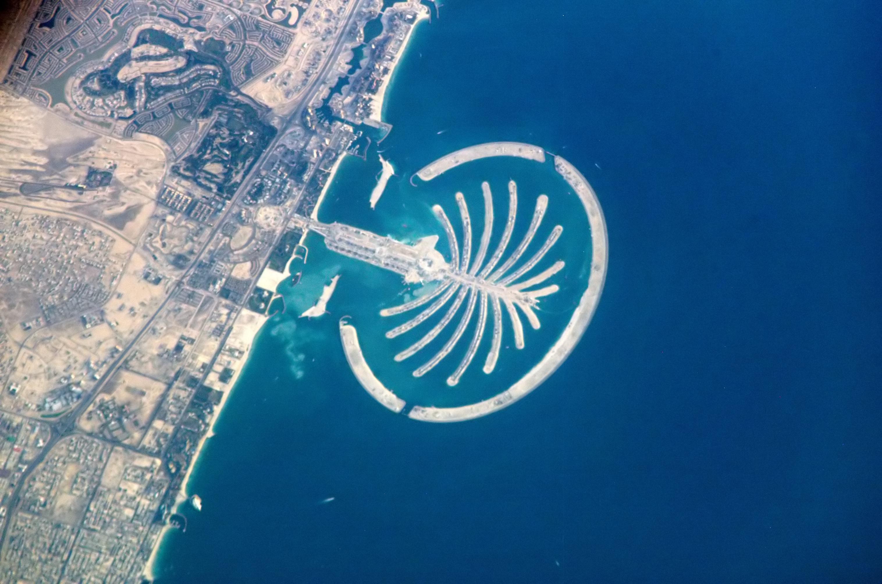 Искусственный остров Пальма Джумейра в Дубае