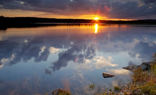Закат над озером в Канаде