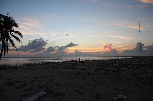 Вечернее побережье Клиппертона