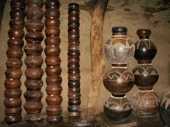 Букина Фасо. Гауа. Инструменты Лоби, Музей Пони
