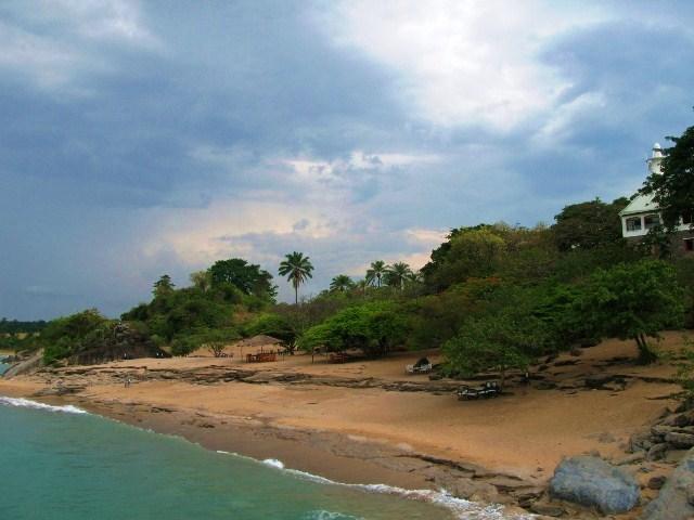 Бурунди. Пляж Сага Реша