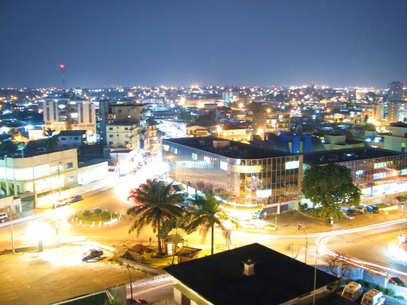 Габон. Ночной Либревилль