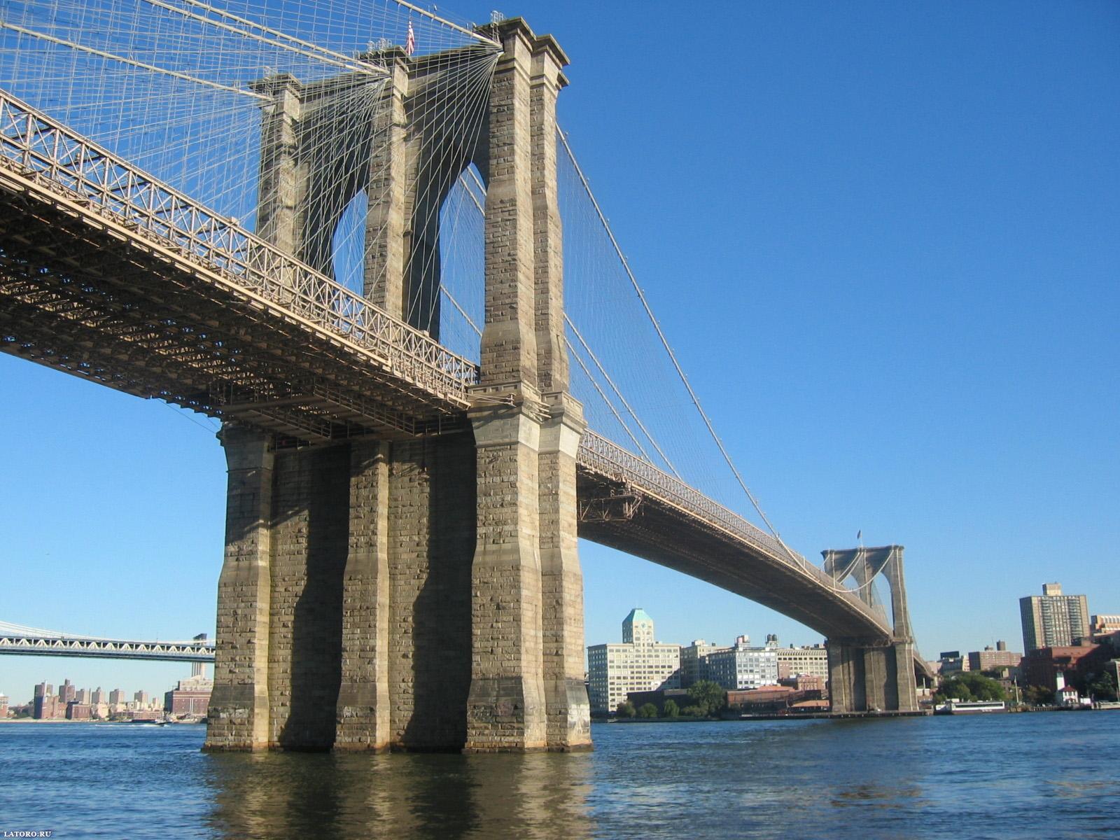 Знаменитый Бруклинский мост в США