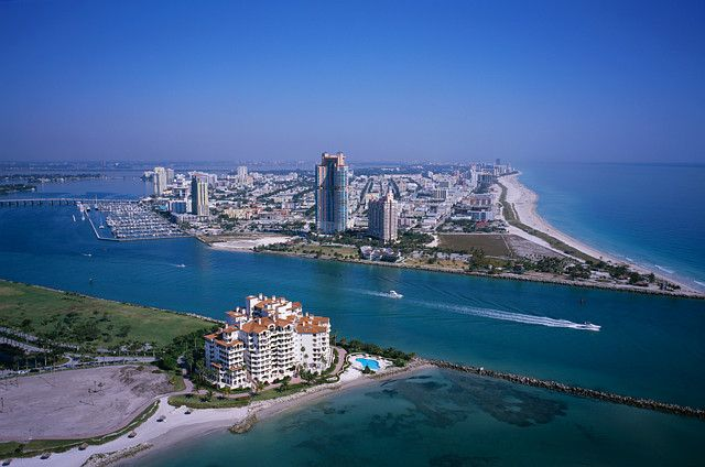 Живописные пляжи среди городской жизни в Майами
