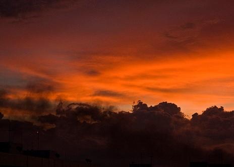 Закат над тропиками в Бразилии