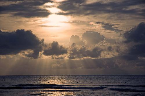 Закат над морем возле Ямайки