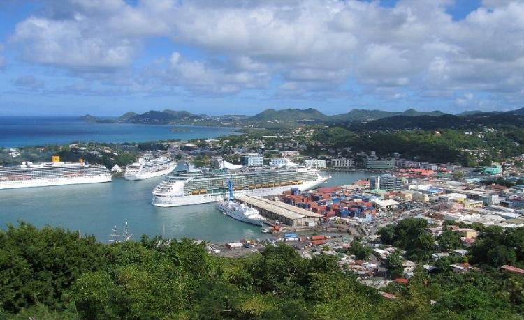 Вид на город у побережья Сент-Льюиса