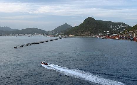 Яхты в гавани Сен-Мартена
