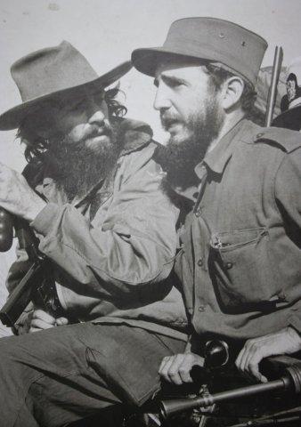 Кубинцы Эрнесто Че Гевара и Фидель Кастро Рус