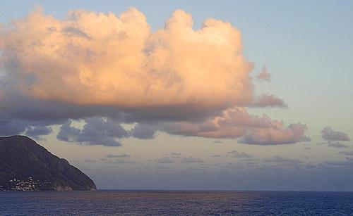 Красивейший вид на островную часть Доминики
