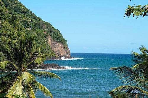 Живописная бухта в Доминике