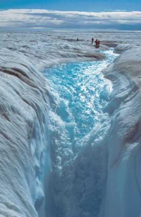 Ледяной водопад в Гренландии