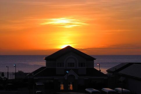 Закат над курортной зоной Гренады