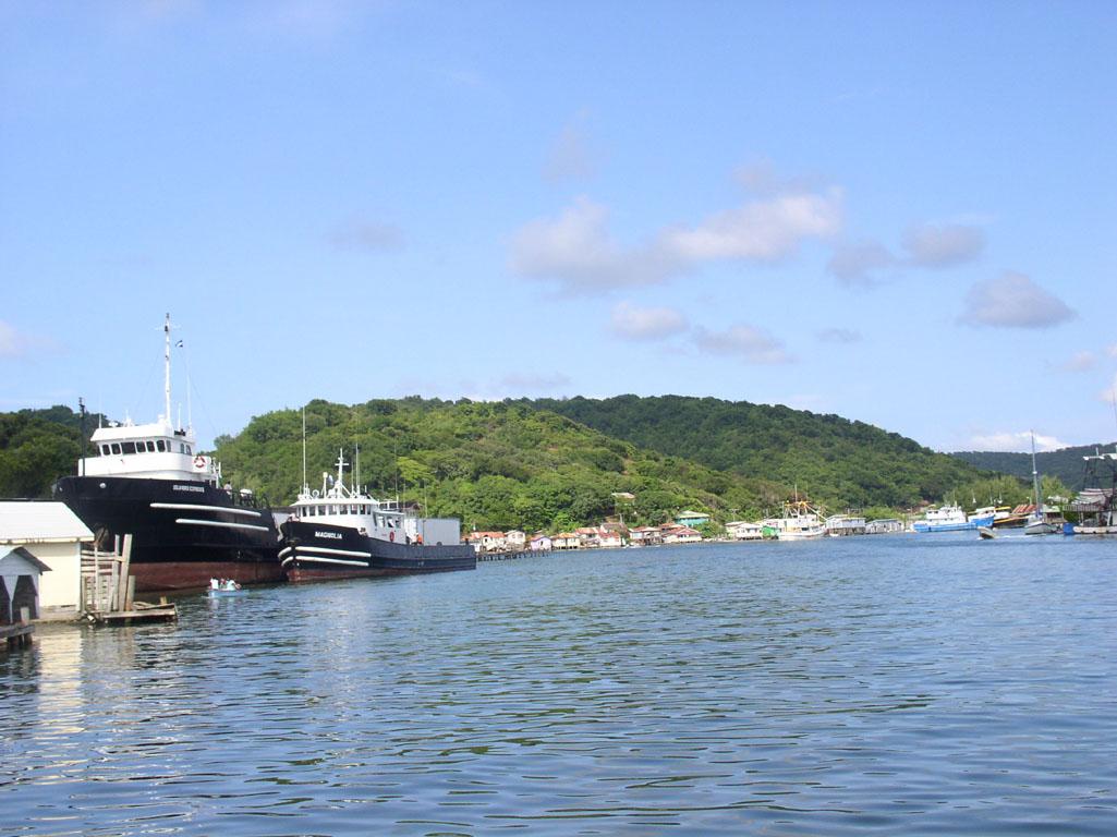 Причал у побережья Гондураса