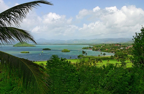 Панорамный вид на побережье Мартиники