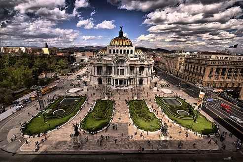 Один из дворцов Мексики