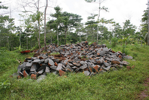 Гора камней в лесу Никарагуа