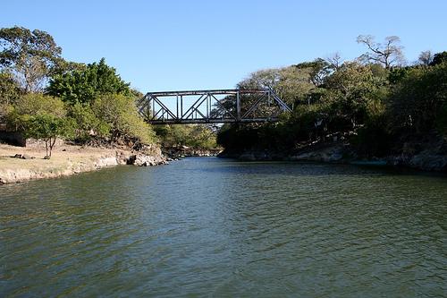 Мост через залив в Сальвадоре