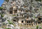 Уникальные скальные гробницы