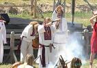 Вед, который проводит хвалебную церемонию