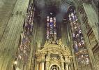 Собор Дуомо в городе Милан в Италии. Интерьер