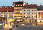 Город Винер-Нойштадт в Австрии. Центр вечером